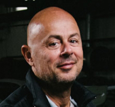 vehicle-experts-oldtimer-restauration-ungarn_classic-portal_portrait1