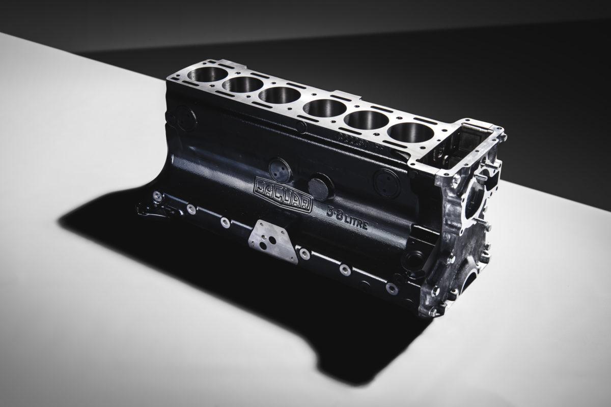 Nachgefertigter Motorblock des 3,8-Liter-Reihensechszylinder der XK-Baureihe von Jaguar.