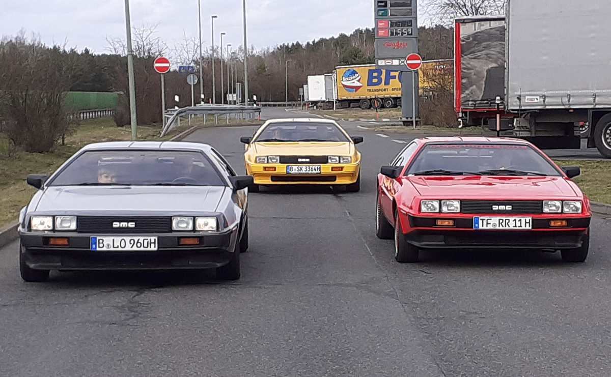 DeLorean DMC 12.