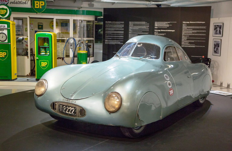 alte-tanke-oldtimer-tankstelle-besuch-beim-profi_classic-portal__0041