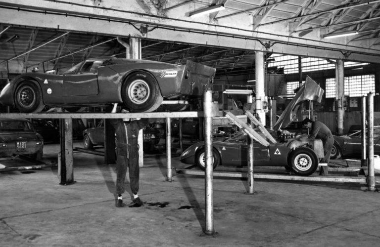 Der Alfa Romeo Tipo 33 wurde bei Autodelta montiert (1968).