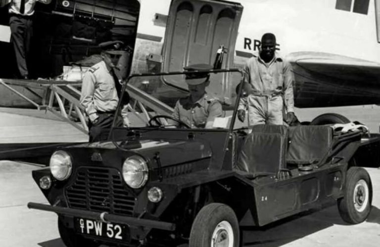 """Der """"Buckboard"""" wird beim britischen Militär getestet (1959)."""