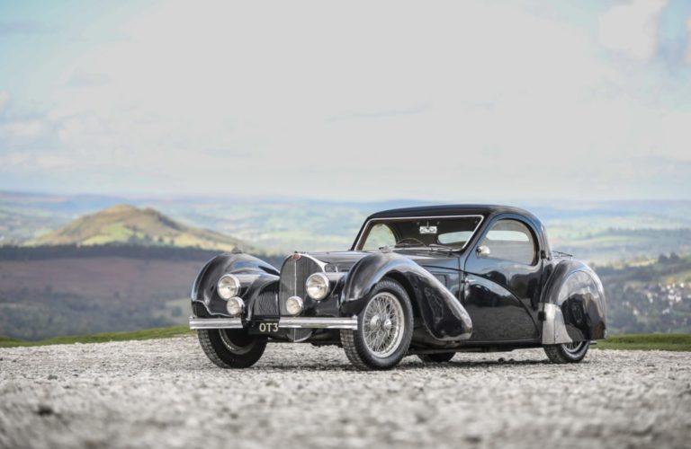 Dieser Bugatti Type 57 S Atalante von 1937 wurde 2020 für 10,44 Millionen US-Dollar versteigert.