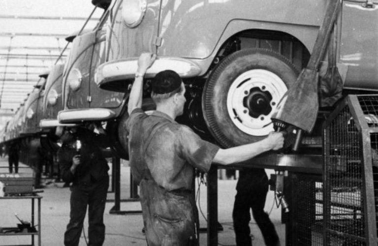 Am 8. März 1956 verließ der erste T1 das VW-Werk in Hannover.