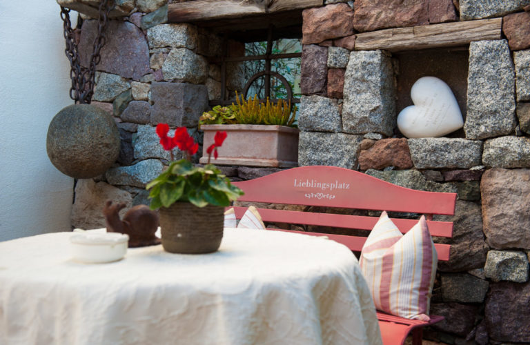 plantitscherhof-oldtimer-hotel-meran-suedtirol_classic-portal_016